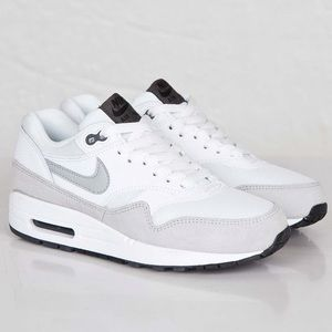 Nike Air Max 1 Essential Women's Sneaker Size 8.5